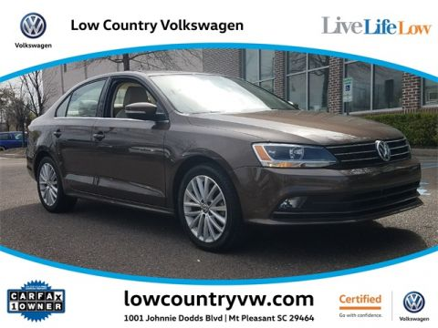 Certified Pre-Owned 2015 Volkswagen Jetta 1.8T SE w/Connectivity & NAV