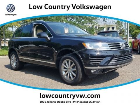 New 2017 Volkswagen Touareg V6 Sport w/ Tech 4MOTION